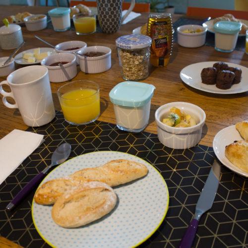 petit déjeuner maison hôtes